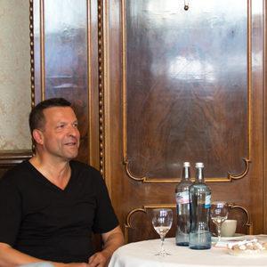 Joachim Mildner, Markus Kiesel und Dietmar Schuth (v.l.n.r.) beim Pressegespräch im Bayreuther Hotel Goldener Anker. Foto: Koch